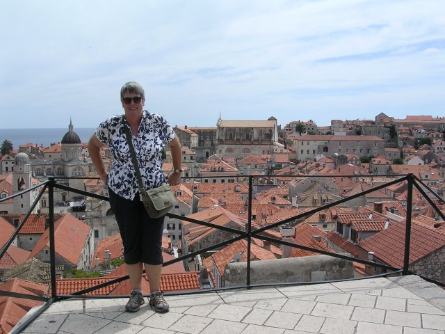 1376386062_jo_on_the_old_city_walls_dubrovnik.jpg